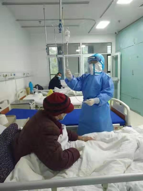 重庆市急救医疗中心第一批援卾医疗队重症组周璐日记