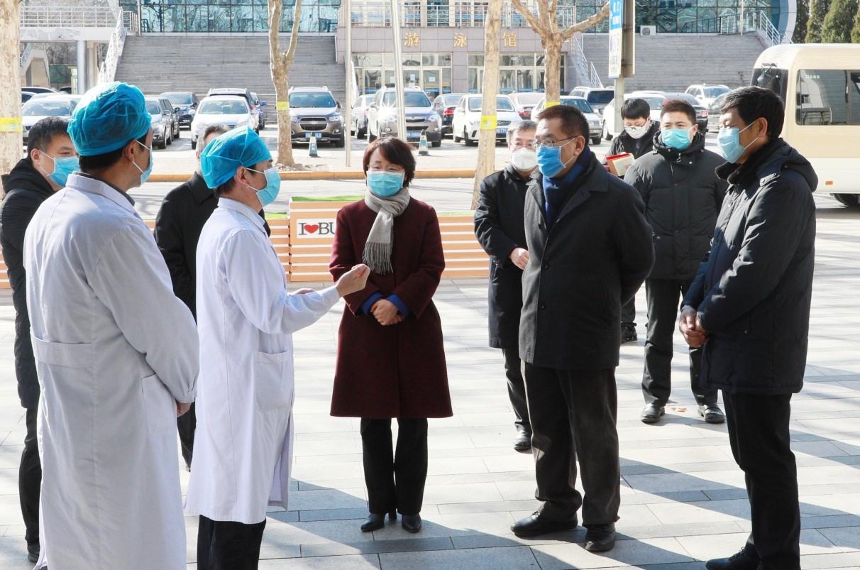 北京市委常委、教工委书记王宁一行到北航检查指导疫情防控工作