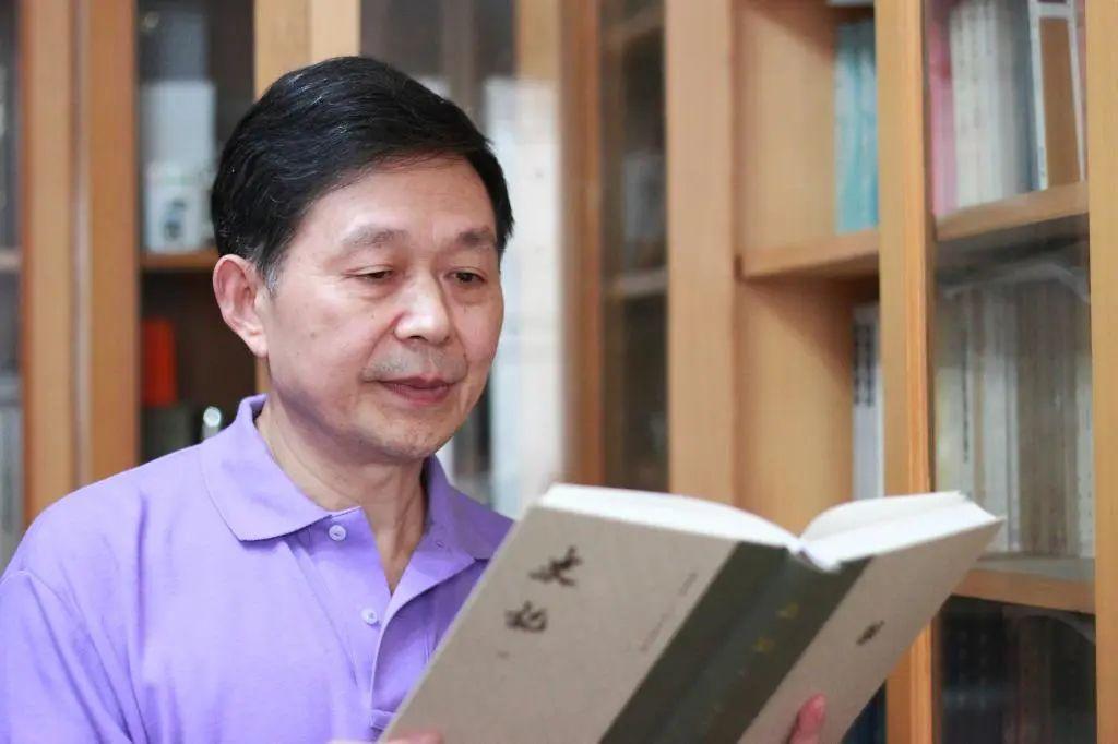 """抗疫•复学大家谈之十五 赵生群:认真读好""""两本书"""",在学习和思考的不断循环往"""
