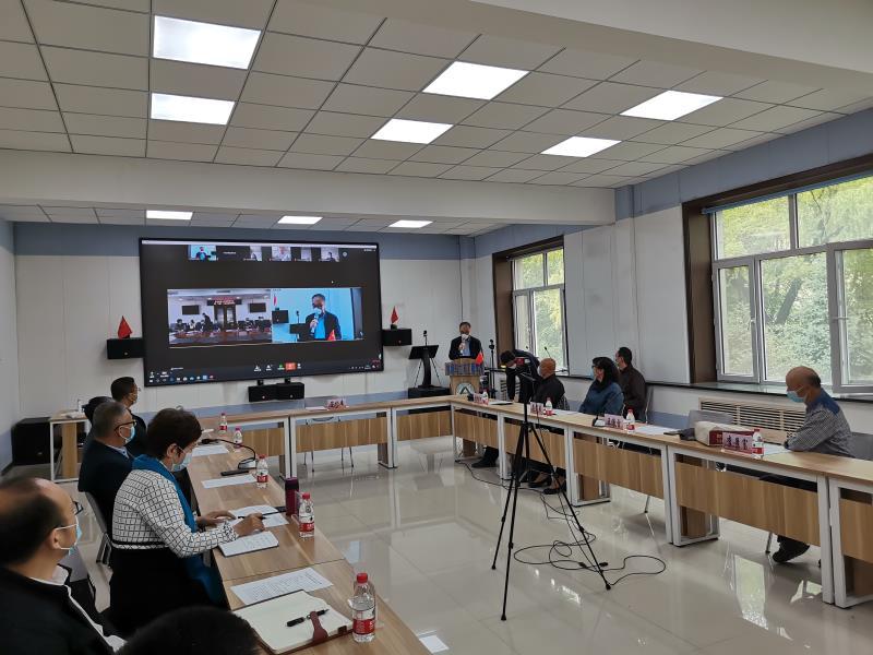 我校头雁团队与齐齐哈尔市园艺研究所举行全省首家头雁工作站线上签约仪式