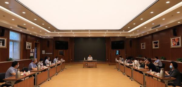 """学校各级党组织开展多种活动庆祝""""七一"""""""