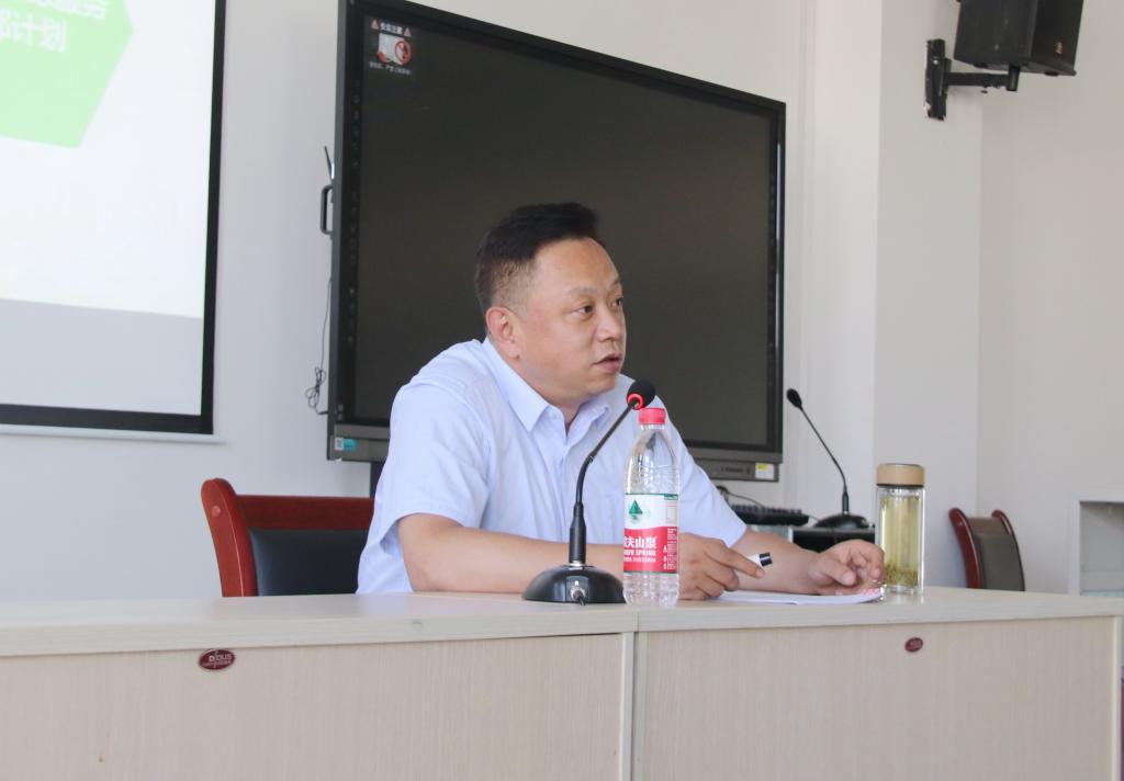 我校举办大学生志愿服务西部计划政策宣讲会