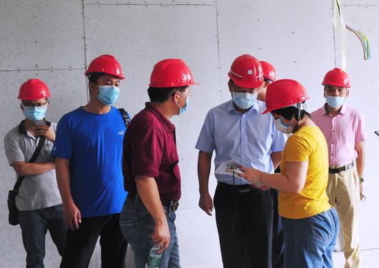 校领导调研指导都柏林国际学院办学场地建设工作