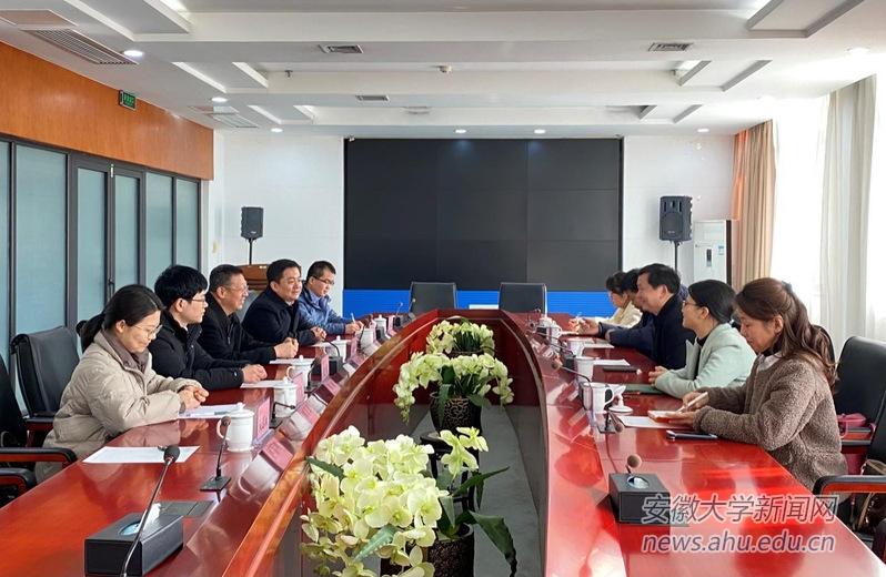 团省委副书记胡靖来校调研共青团工作