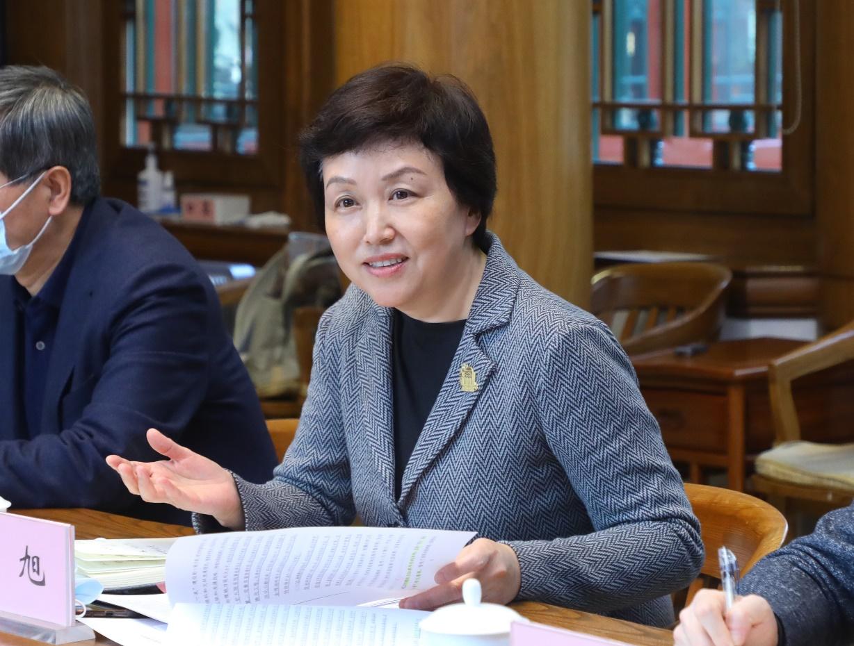 清华大学召开全国两会代表委员座谈会