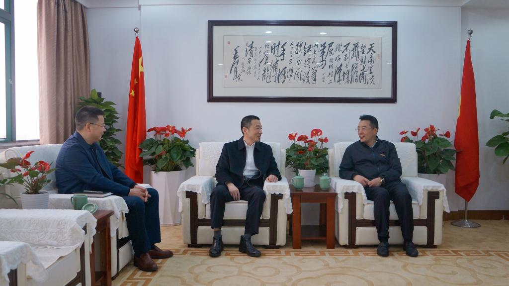 校党委书记朱达会见舟山市人民检察院检察长黄辉