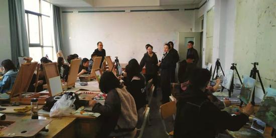 西北师大校领导赴美术学院调研指导新学期教学工作