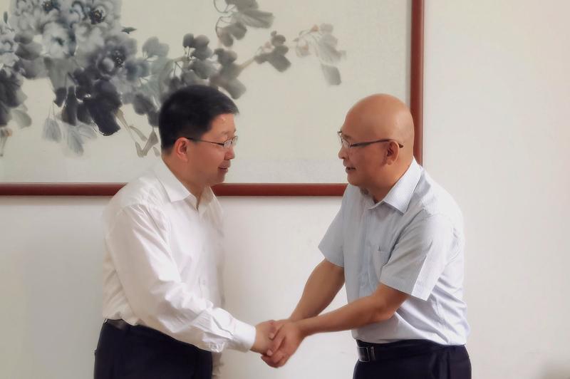 甘肃政法大学副校长郑高键一行来校调研交流