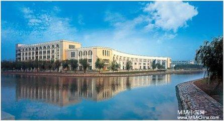 上海对外经贸大学校园风光1