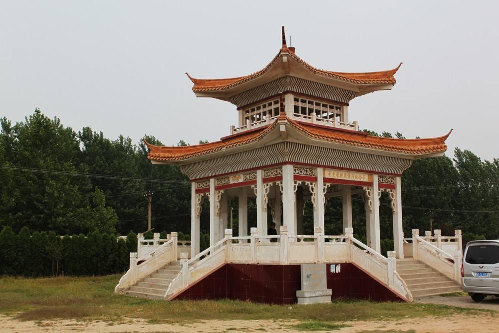 毛主席视察黄河纪念亭