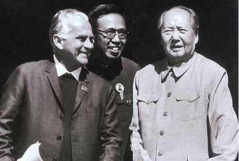《毛泽东与斯诺》第三集让世界了解中国
