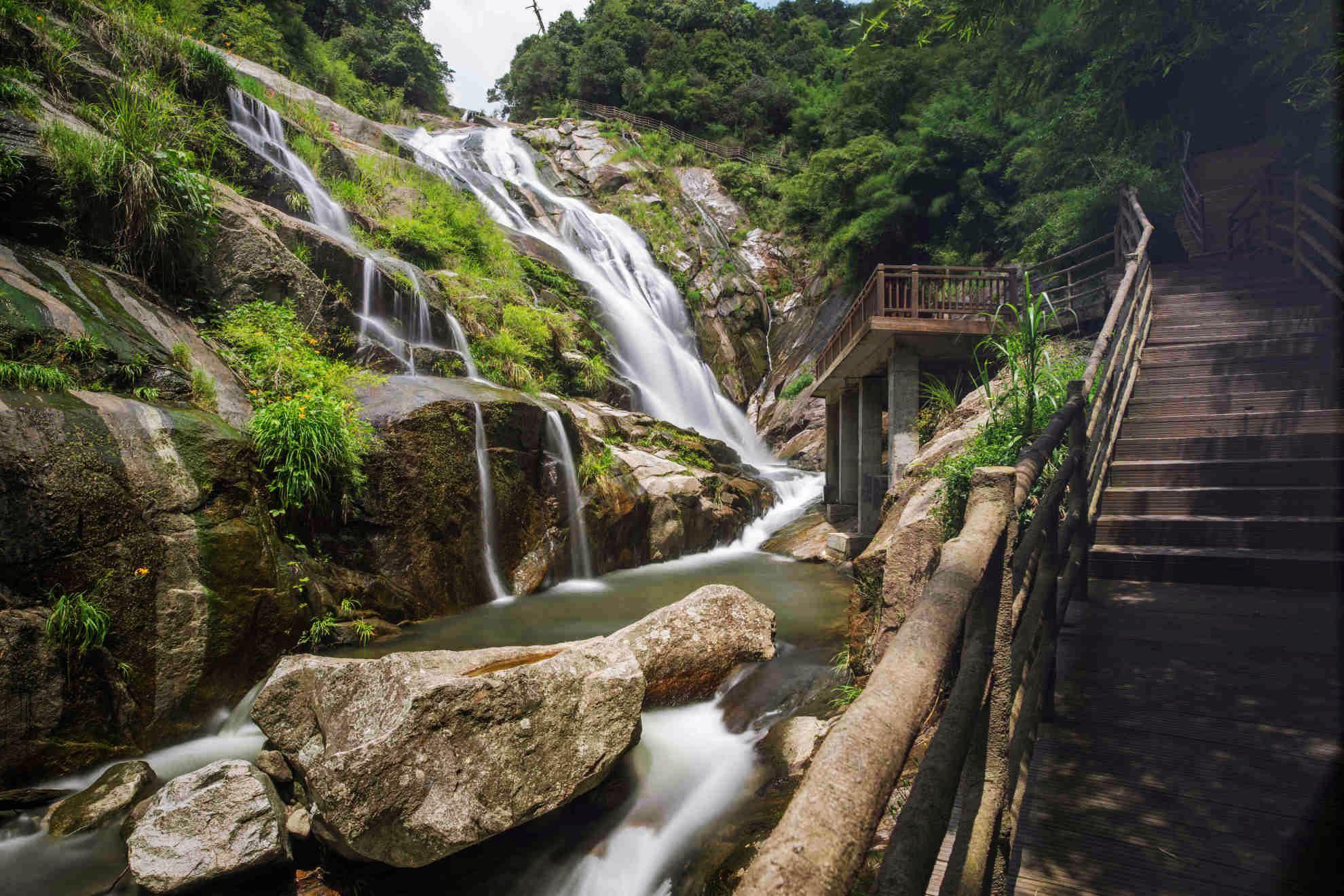 梁野山国家级自然保护区