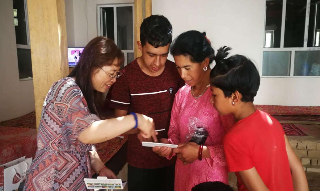 我校开展暑期新疆专线家访活动