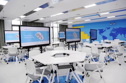 我校西校区国际大厦智慧教室正式投入使用
