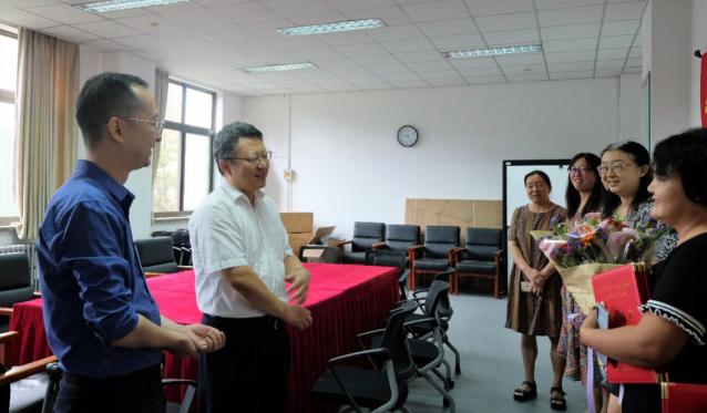向老师致敬——北语开展第35个教师节慰问活动