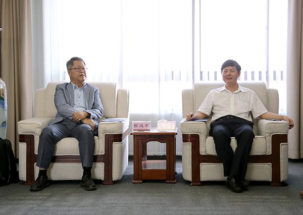 台湾中华大学解鸿年副校长一行来访我校