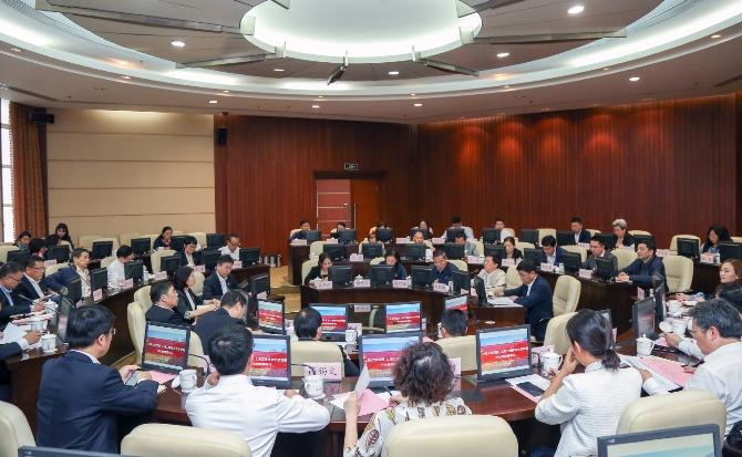 上海大学党委与上海工程技术大学党委中心组举行联组学习