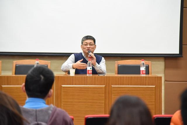 """北理工数学学院杰出校友刘继明做客""""红树林""""成长社区"""