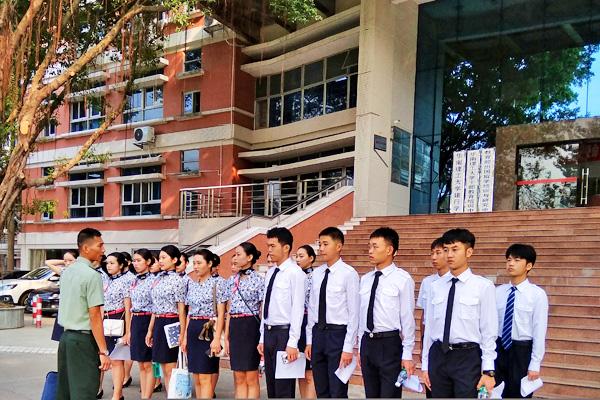 华南理工大学航空服务职业培训项目模拟面试顺利进行
