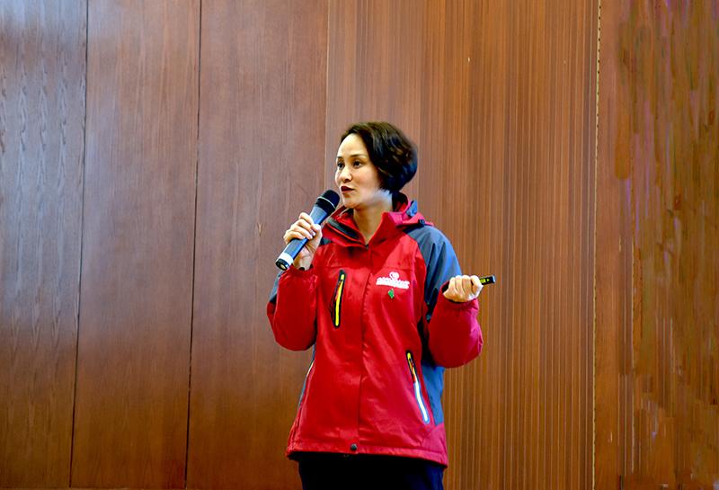 奥运冠军高敏走进延安大学分享人生经验