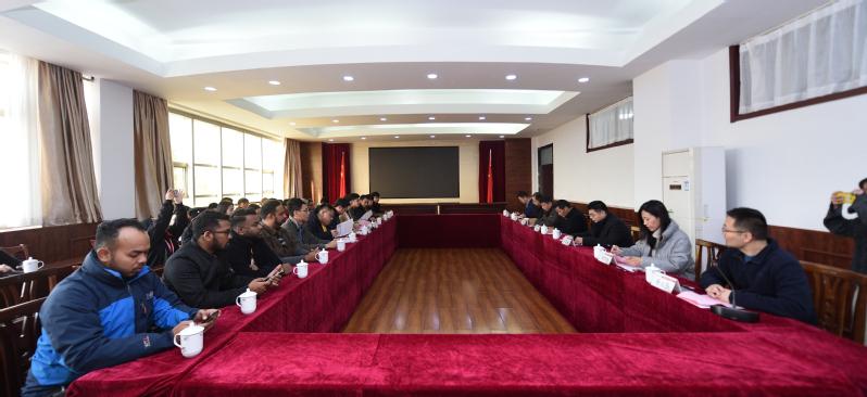 马来西亚中国友好协会大学生代表团一行来访我校