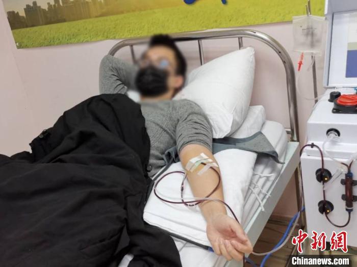 """新冠肺炎康复者捐献血浆 以热血助力抗""""疫"""""""