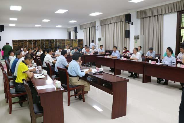 海南大学与东方市人民政府签署全面战略合作协议