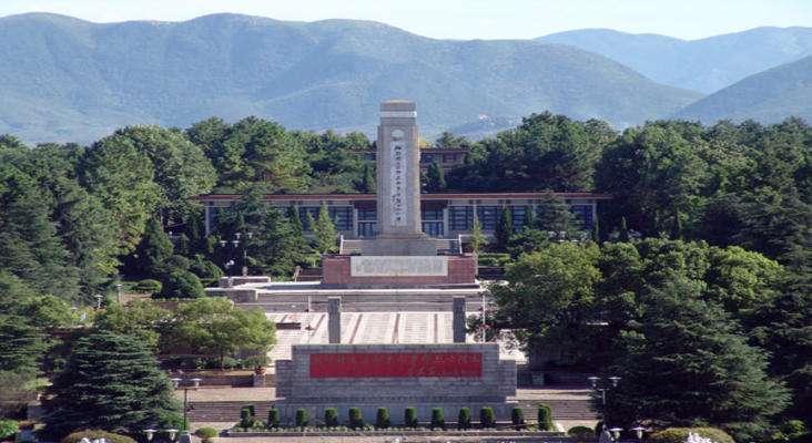 武汉大学湘鄂赣革命烈士陵园红色教育