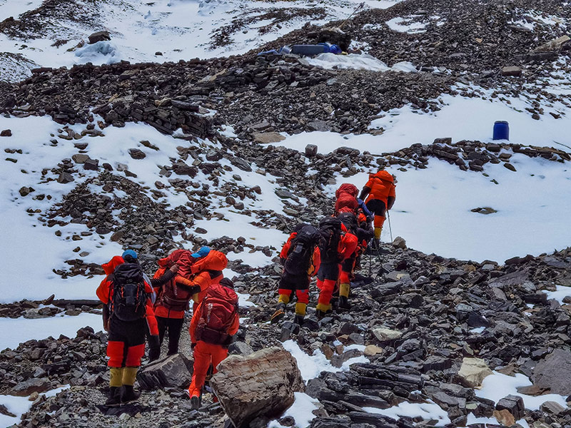 2020珠峰高程测量登山队冲顶组再出发