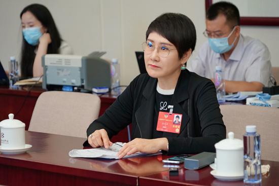 全国政协委员张凯丽:深入推广朗诵艺术 增强文化自信