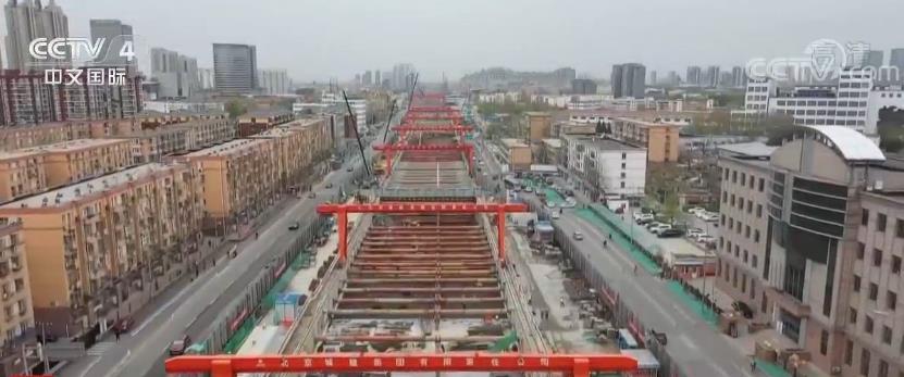 """""""两新一重""""精准发力扩大有效投资 为中国经济提供新动能"""