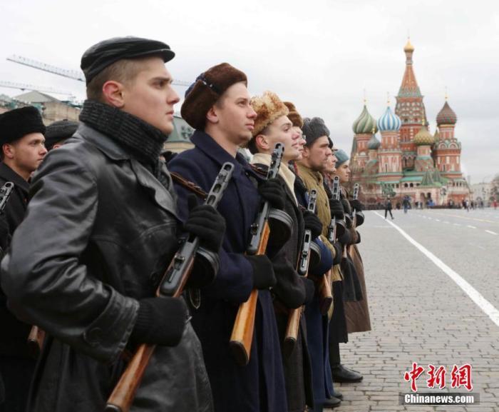 俄胜利日阅兵:空天军将组建16个空中梯队接受检阅