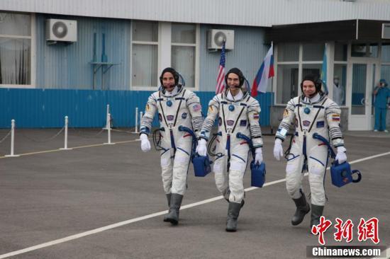 """俄""""联盟MS-16""""载人飞船返回地球 在哈萨克斯坦着陆"""