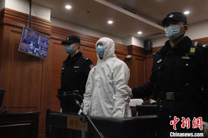 西安男子售卖27万只假口罩 获刑五年六个月