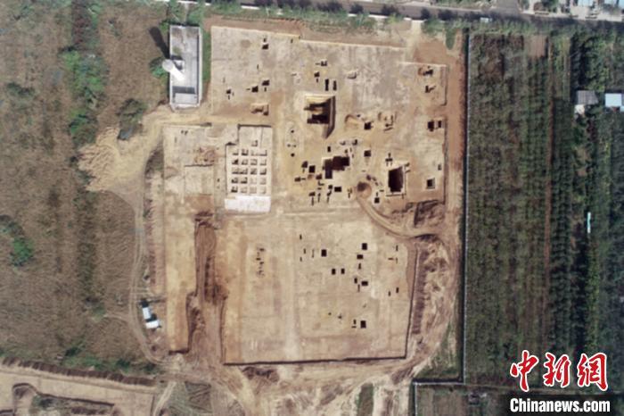 """陕西秦汉新城大堡子墓地考古发现西汉""""新城县""""证据"""