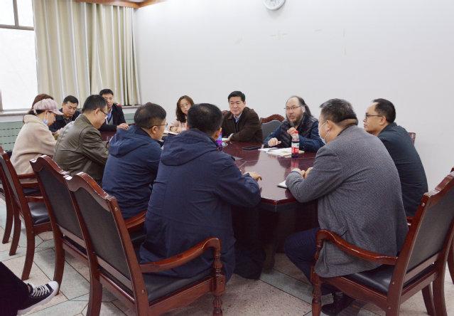 兵团文联党组成员、副主席李斌一行来我校调研