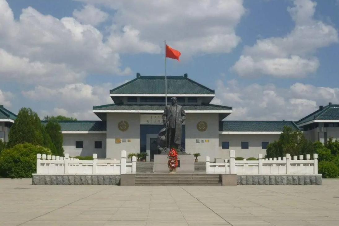 内蒙古红色教育培训基地-乌兰夫纪念馆