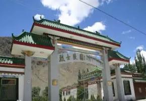 山南烈士陵园-湖北红色教育培训基地