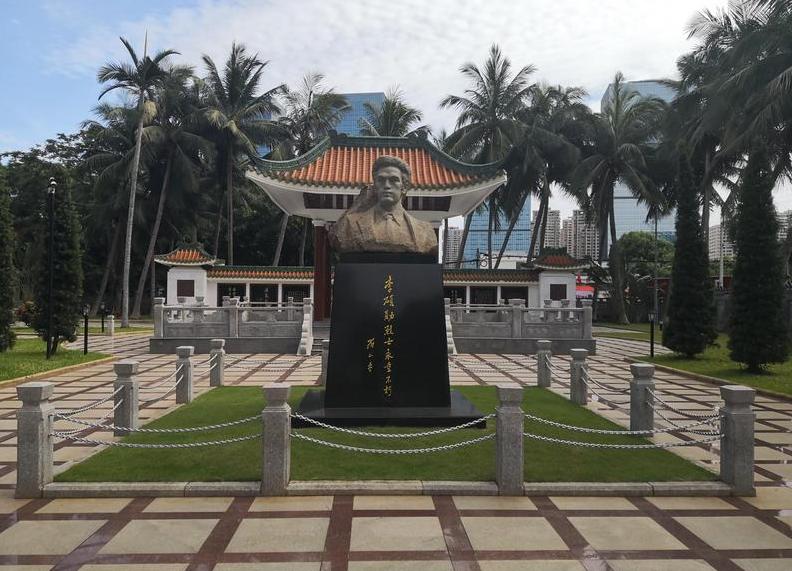李硕勋烈士纪念亭_海南干部培训红色教育基地
