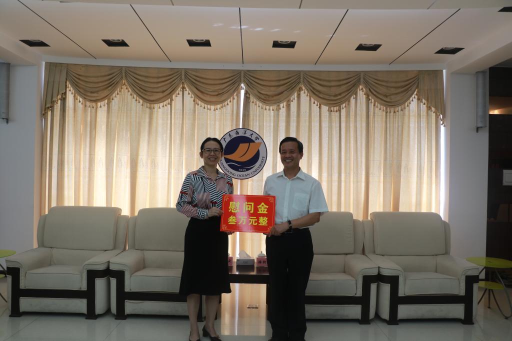 湛江市委常委、宣传部部长陈云慰问我校教师